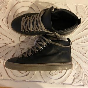 Balenciaga holiday addition Aren shoe size 40